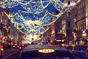 Обои Такси - Автомобили Вечер Англия Улице Боке Электрическая гирлянда Лондоне город