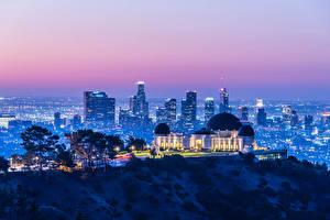 Обои Америка Дома Вечер Калифорнии Лос-Анджелес Мегаполис Лучи света Griffith Observatory город