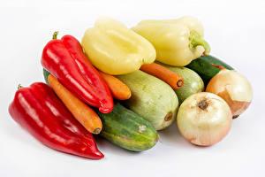 Картинка Овощи Лук репчатый Перец овощной Морковка Огурцы Кабачки Белом фоне Пища