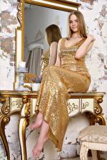 Обои Зеркала Отражении Сидящие Платья Волос Carolina