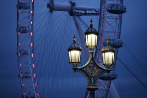 Картинки Вечер Англия Уличные фонари Колесом обозрения Лондоне London Eye