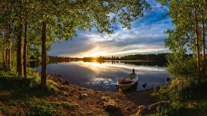 Обои Лес Лодки Речка Вечер Рассвет и закат Финляндия Дерево Oulu, River Oulujoki Природа