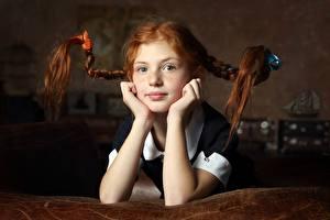 Обои Волос Рыжая Косы Руки Взгляд ребёнок