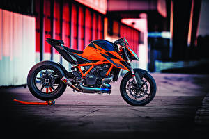 Картинка КТМ Сбоку 2020 1290 Super Duke R мотоцикл