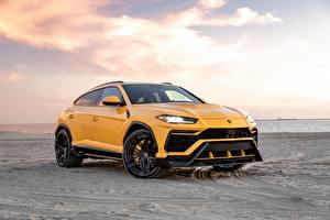 Картинки Lamborghini Песка Желтая Металлик CUV Vorsteiner, Urus, 2019 авто