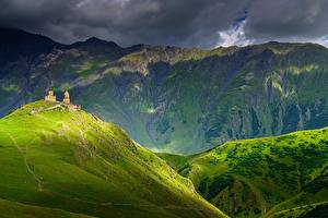 Обои Гора Грузия Облачно Kazbegi, Khevi Province
