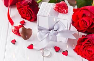 Фото Роза День всех влюблённых Коробки Бантики Сердечко цветок