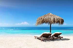 Обои для рабочего стола Море Небо Пляжа Шезлонг Песок Релакс Природа