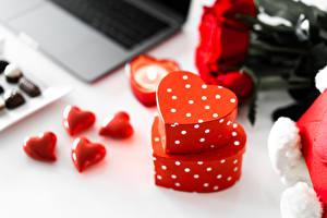 Фото День всех влюблённых Подарки Серце Боке