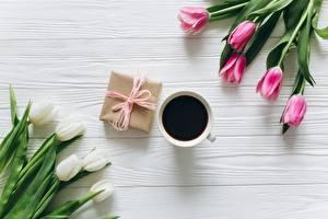 Фото Кофе Тюльпаны Подарки Доски Цветы