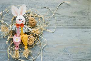 Картинки Пасха Кролик Доски Солома Яйцами Дизайн Бантик