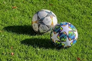 Фото Футбол Траве Мячик 2 Звездочки Тень спортивные