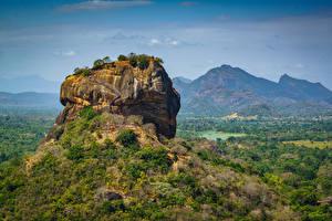 Картинки Горы Шри-Ланка Скале Sigiriya, Pidurangala, Matale District Природа
