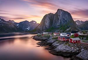 Картинка Гора Рассвет и закат Лофотенские острова Норвегия Здания
