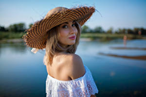 Обои Боке Шляпы Блондинки Смотрит Nastya, Andrew Filonenko девушка