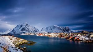 Картинки Норвегия Гора Море Здания Лофотенские острова Снега Природа