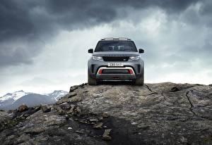 Фотографии Камни Range Rover Скалы Спереди Серая Металлик Внедорожник Discovery 4x4 2017 V8 SVX 525 Автомобили