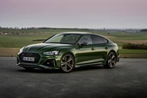 Фотография Audi Зеленая Металлик RS5 Sportback, 2020 Автомобили