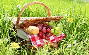 Картинки Хлеб Виноград Траве Корзинка Пикник