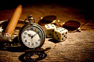 Фотография Часы Карманные часы Игральные кости Очков