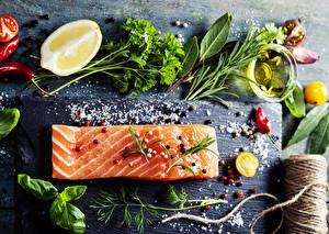 Картинки Рыба Овощи Лимоны Специи Перец чёрный Острый перец чили Укроп Солью Продукты питания