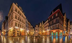 Картинки Франкфурт-на-Майне Германия Дома Ночью Улица город