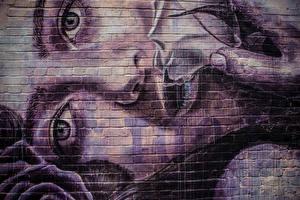 Фото Граффити Глаза Стена Лицо Смотрит Девушки