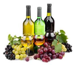 Картинки Виноград Вино Белым фоном Лист Бокал Бутылка Продукты питания