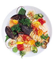 Фото Морепродукты Омары Рыба Овощи Лимоны Белом фоне