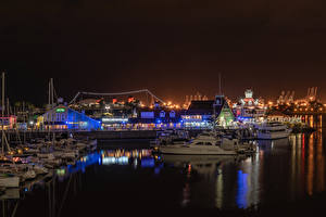 Фото США Дома Причалы Речные суда Калифорнии Заливы Ночь Shoreline Village in Long Beach город