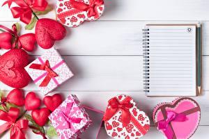 Фото День святого Валентина Блокнот Подарки Сердечко Бантики Шаблон поздравительной открытки
