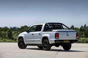 Фотографии Volkswagen Пикап кузов Белая Металлик Amarok, 2014, UK Version, Dark Label авто