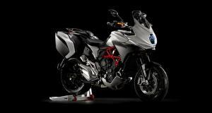 Фотографии Сбоку 2015-20 MV Agusta Turismo Veloce 800 Lusso мотоцикл