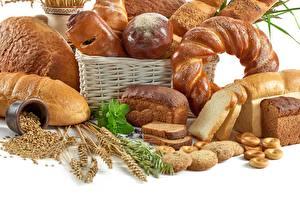 Фотографии Хлеб Выпечка Пшеница Белый фон Корзины