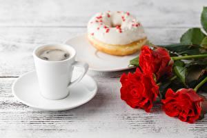 Картинка Кофе Пирожное Роза Чашка Блюдце Цветы