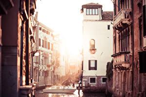 Картинки Италия Катера Венеция Водный канал город