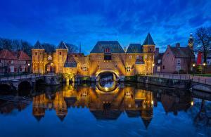 Обои Голландия Замки Речка Ворота Отражение Башня Amersfoort, Koppelpoort, Eem River Города