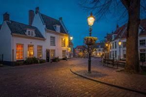 Фотография Нидерланды Вечер Дома Уличные фонари Улица Amersfoort, Utrecht город