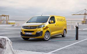 Фотографии Opel Желтые Минивэн 2020 Vivaro-e