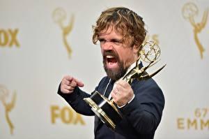 Фотографии Питер Динклэйдж Мужчины Бородатые Крик Emmy 2016 Знаменитости