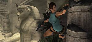 Фотографии Tomb Raider Tomb Raider Anniversary Пистолеты Лара Крофт Прыжок Игры 3D_Графика Девушки