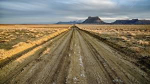Фото США Дороги Гора Factory Butte, Upper Blue Hills, Utah Природа