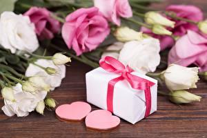 Фото День всех влюблённых Подарки Сердце цветок