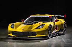 Фотография Chevrolet Стайлинг Желтая 2014-19 Corvette C7.R GT2 машина