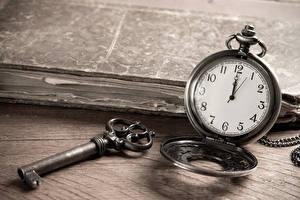 Картинка Часы Карманные часы Замковый ключ