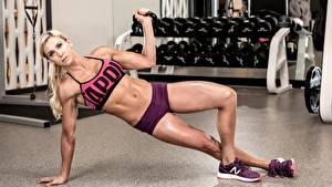 Обои Фитнес Блондинки Тренируется Позирует Спортзале Ног спортивные Девушки