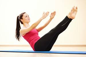 Фото Фитнес Ног Руки Тренируется спортивная Девушки