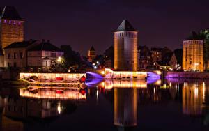 Фотография Франция Страсбург Здания Речка Мост Ночные Уличные фонари город