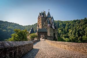 Обои Германия Гора Замки Леса Мосты Башни Eltz Castle, Wierschem