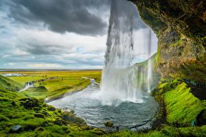 Фотографии Исландия Гора Водопады Скалы Seljalandsfoss, Suðurland Природа